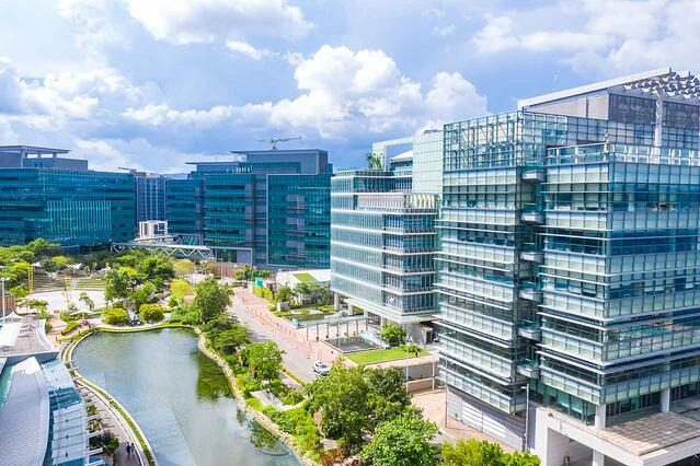 Modern-office-building-campus-smart-environment