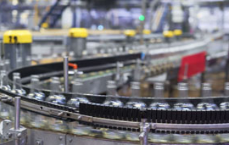 videoblocks-spill-in-glass-bottles-at-the-plant-conveyor-belt-with-glass-bottles-transporter-close-up-the-production-process-of-alcoholic-beverages_rk