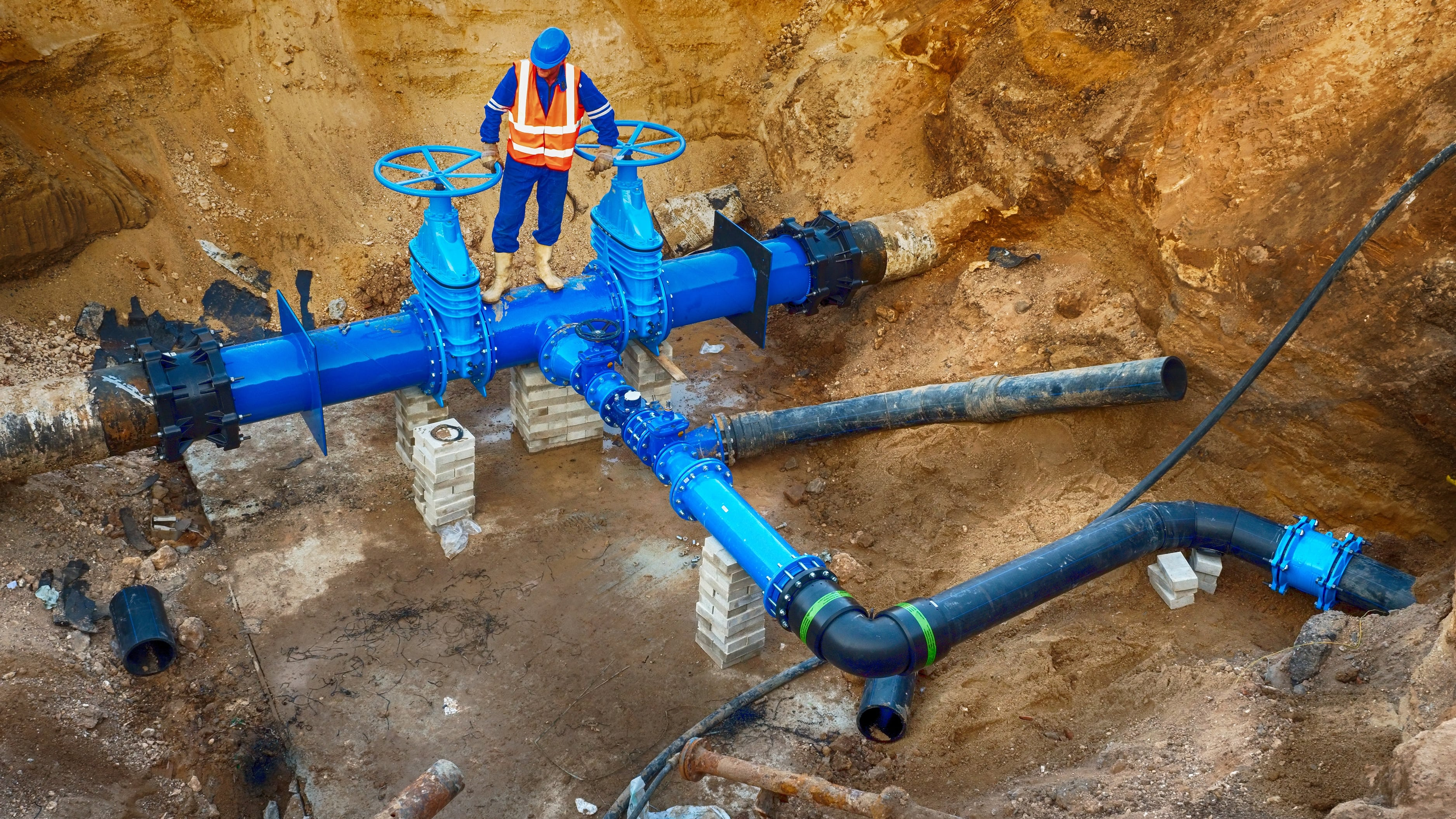 Undergroud-water-pipe-construction